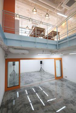지하1층-1층현관