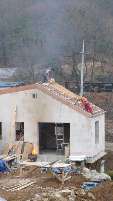 지붕 왕겨 단열 공사